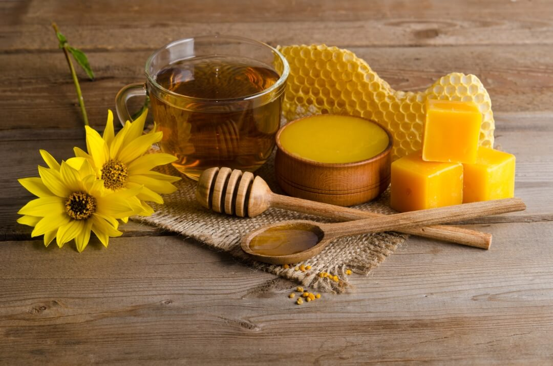 Honey has amazing health and medicinal benefits.